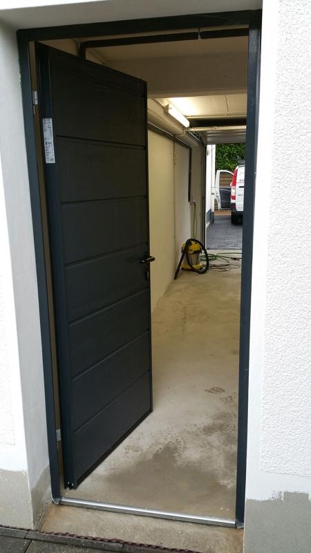 Garagentor mit nebentür  Tore - Balles Metallbau e.K.